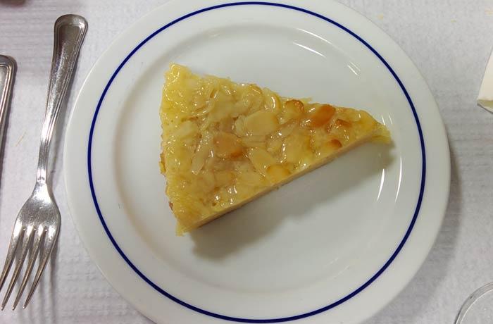 Tarta de almendras de Kurika Restaurantes en Espinho