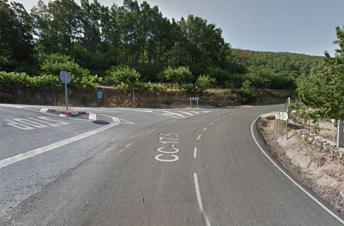 Desvío a la izquierda en la carretera de Valdastillas a Piornal para llegar hasta la Cascada del Caozo