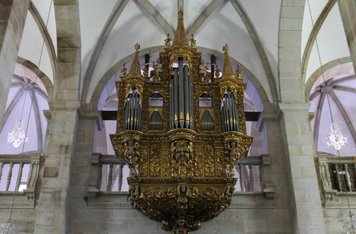Órgano de la Concatedral qué ver en Miranda do Douro
