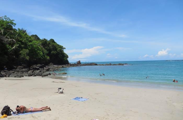 Vista de la playa Manuel Antonio