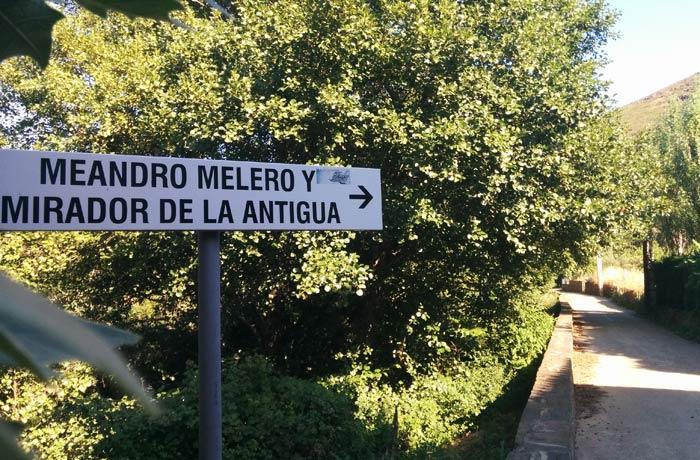 Camino que lleva hasta el mirador de La Antigua y que sale junto a la piscina natural de Riomalo de Abajo