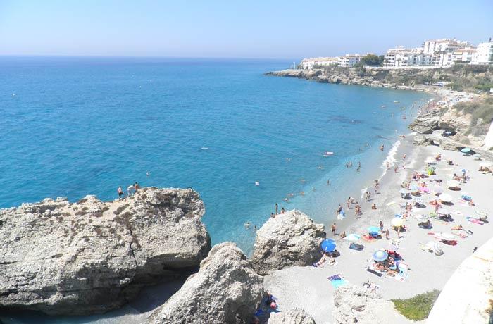 Playa de El Salón desde el Balcón de Europa Nerja