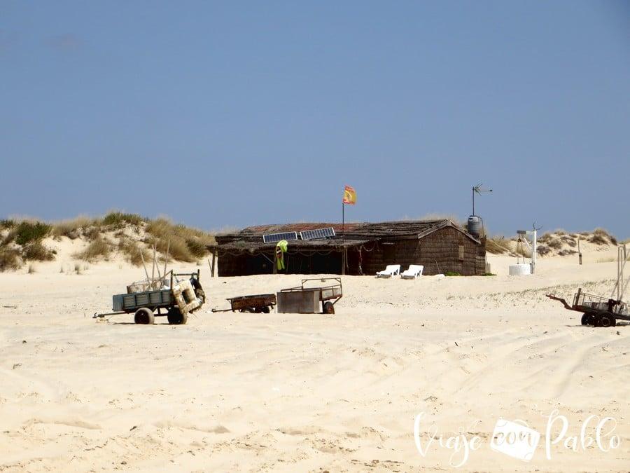 Una de las casas de pescadores que hay en la playa de Doñana