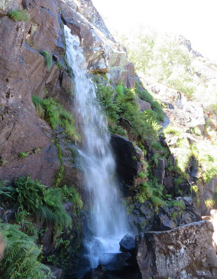 Vista vertical de la Cascada de Sotillo