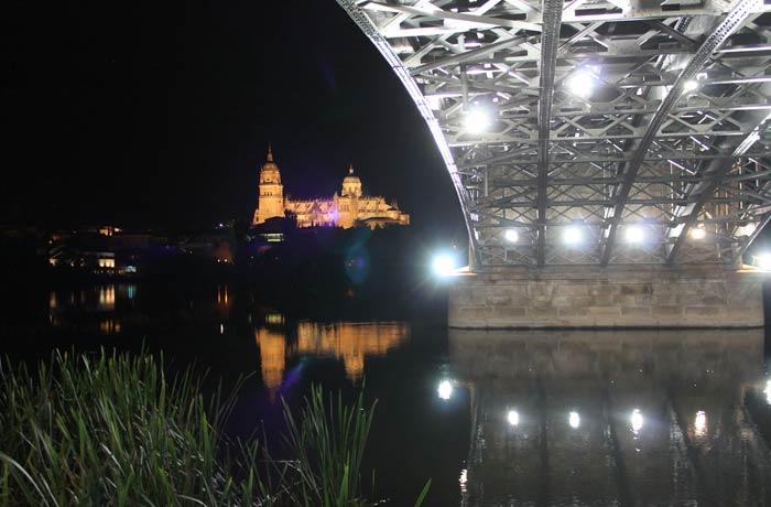 Catedral de Salamanca y puente Enrique Estevan vistas de Salamanca