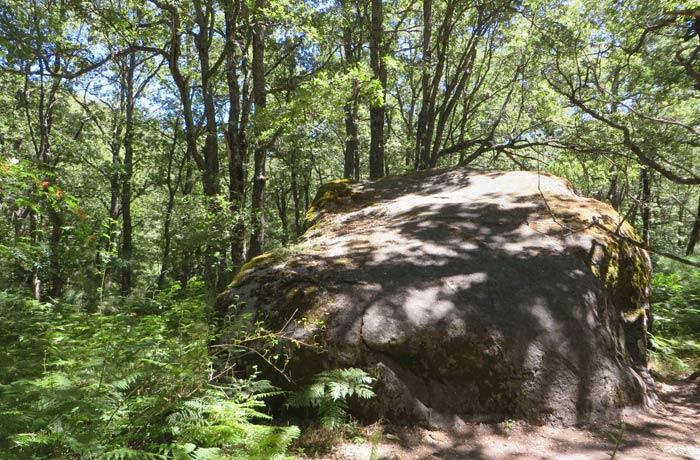 Rocas con formas caprichosas en el tramo de regreso Cascada de Sotillo