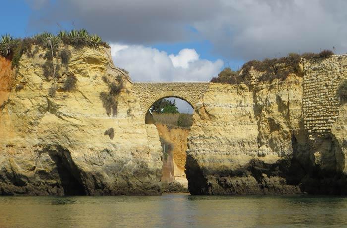 Arco en la playa de los Estudiantes grutas de Lagos