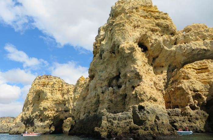 La forma de una cara, en una de las rocas grutas de Lagos