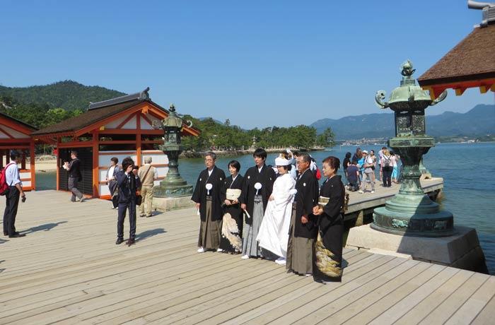 Boda japonesa en el Santuario de Itsukushima Japón por libre