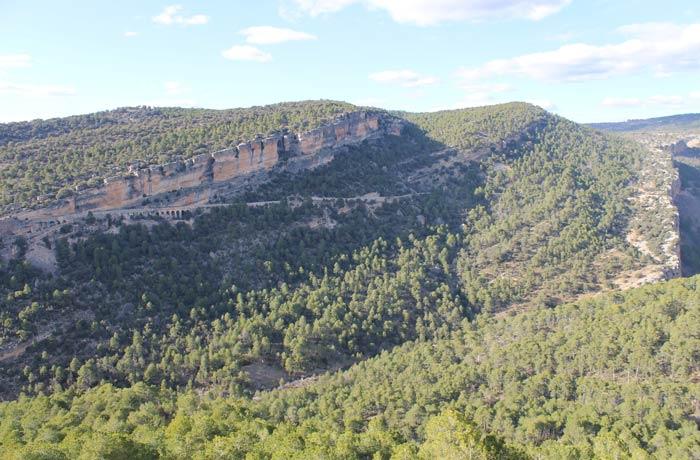 Cortados de la Serranía de Cuenca antes de llegar al Ventano del Diablo desde la Ciudad Encantada