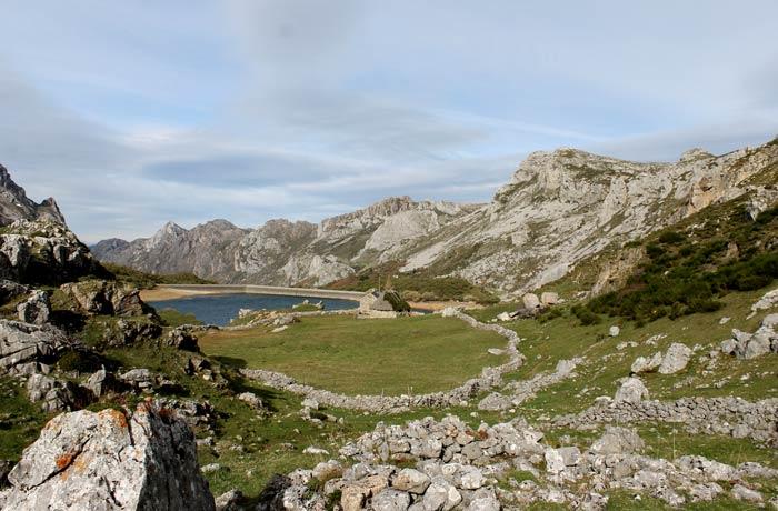 Vista del Lago del Valle y sus alrededores