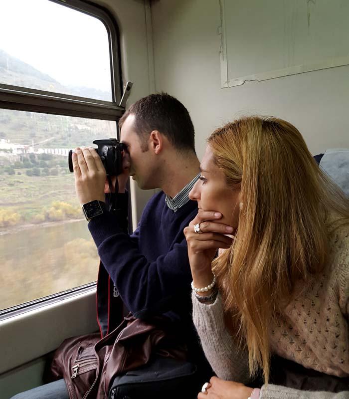 Pablo y Estefanía, contemplando el paisaje