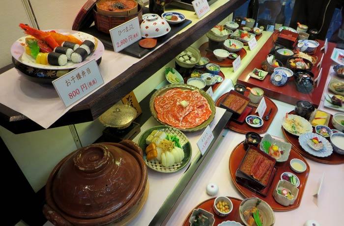 Réplicas de platos en un restaurante curiosidades de Japón