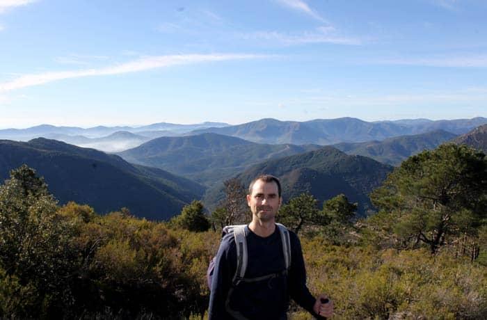 Pablo con el paisaje característico de Las Batuecas Portilla Bejarana
