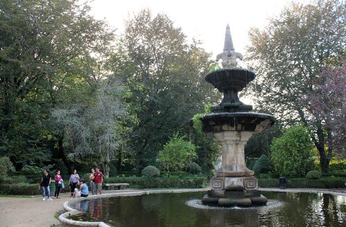 Una de las fuentes del Jardín Botánico qué ver en Coímbra