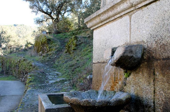 Fuente junto a la plaza de toros Valero Salamanca