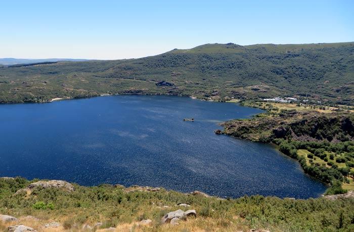 Panorámica del Lago de Sanabria desde el inicio de la Senda de los Monjes