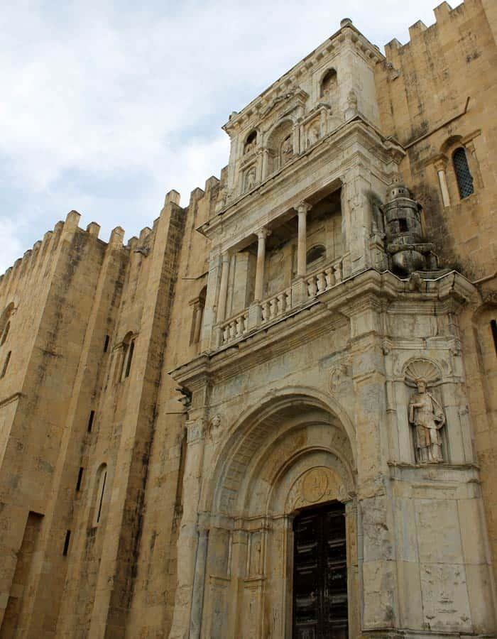 Porta Especiosa de la Sé Velha qué ver en Coímbra