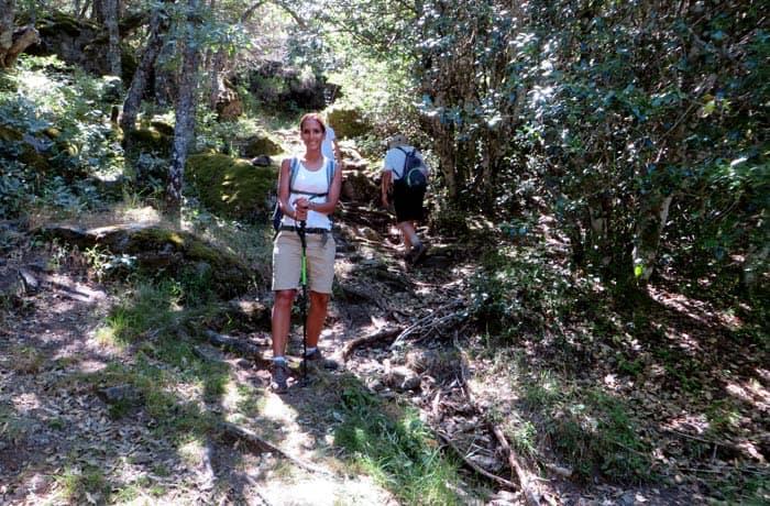 Sendero de subida tras dejar la cueva de San Martín cañón del Tera