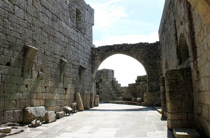 Interior del Castillo de Belmonte Portugal
