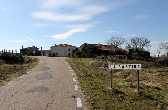Llegada a La Bastida Castillo Viejo de Valero
