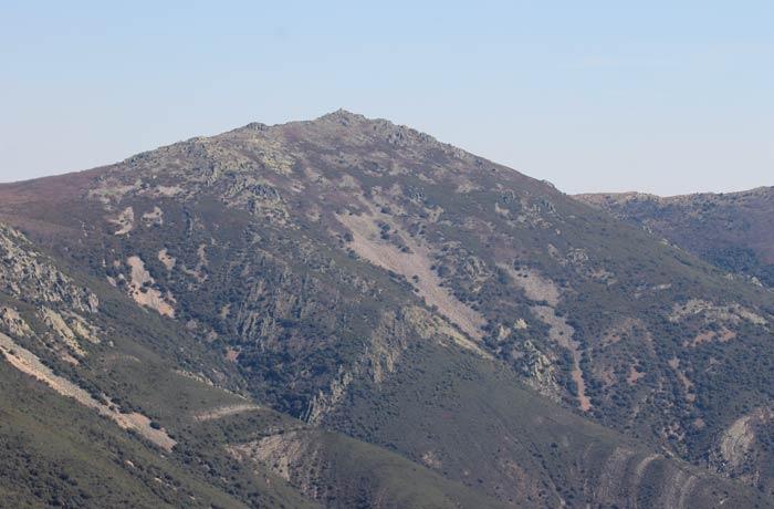 Vista del pico Cervero Castillo Viejo de Valero