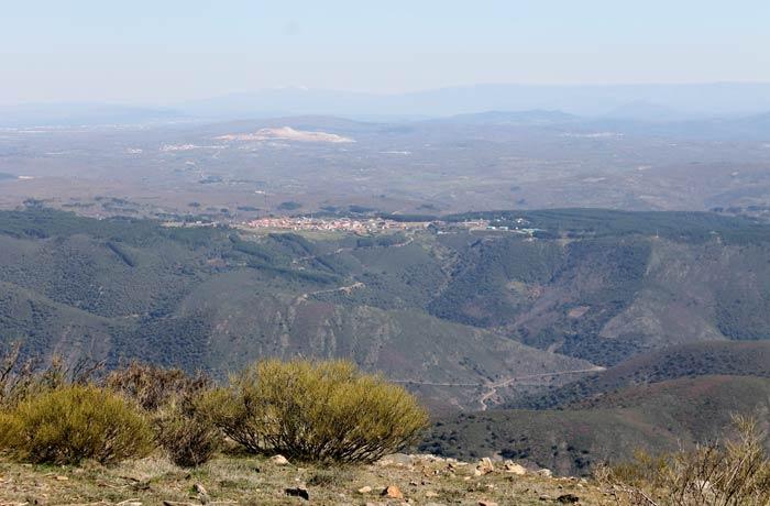Vista de San Miguel de Valero Castillo Viejo de Valero