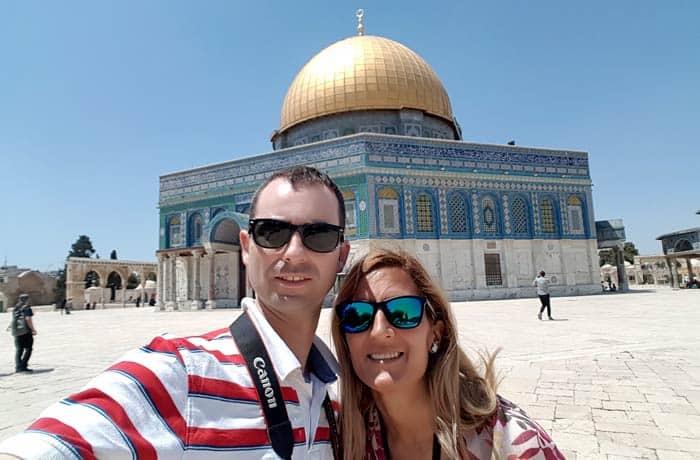 Ante la Cúpula de la Roca en Jerusalén Israel por libre