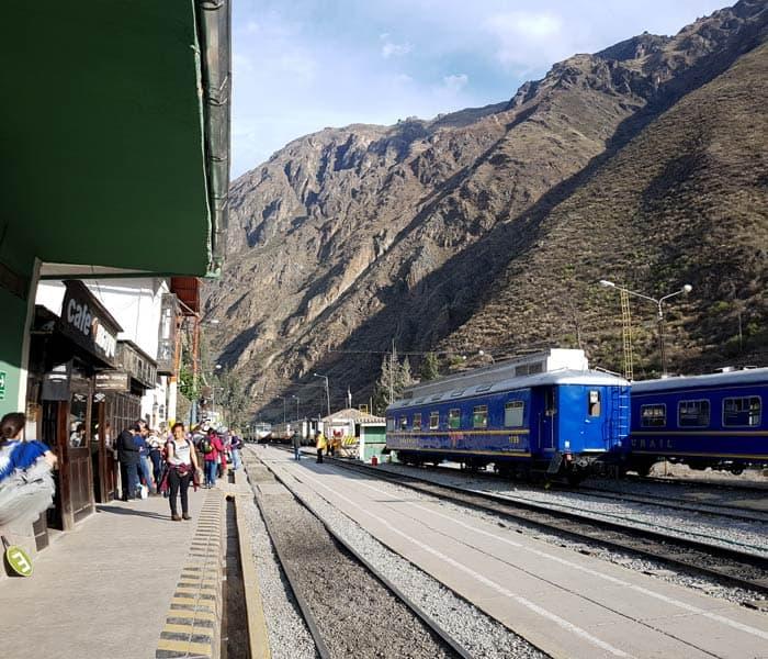 Estación de tren en Ollantaytambo Machu Picchu consejos