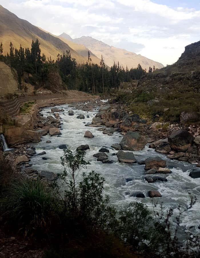 Las aguas bravas del rio Vilcanota, desde el tren Machu Picchu consejos