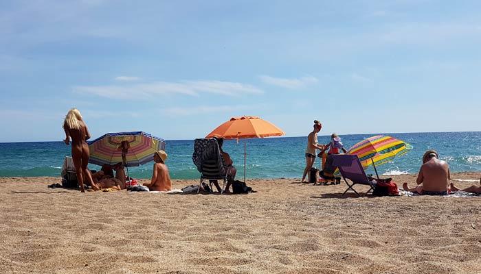Nudismo en Illa Roja mejores calas de la Costa Brava