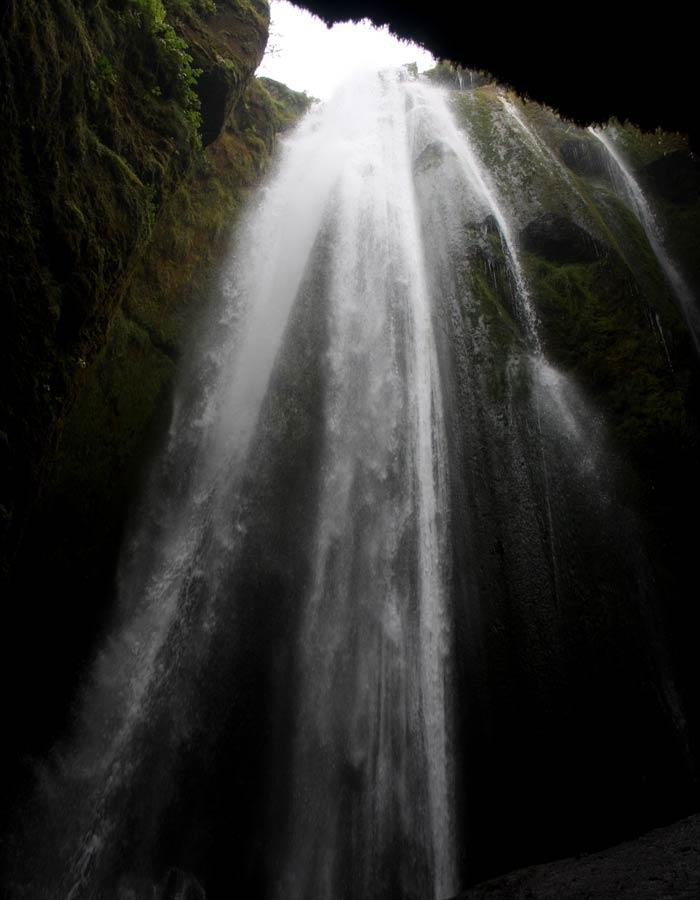 Caída de agua de Gljufrabui Islandia por libre