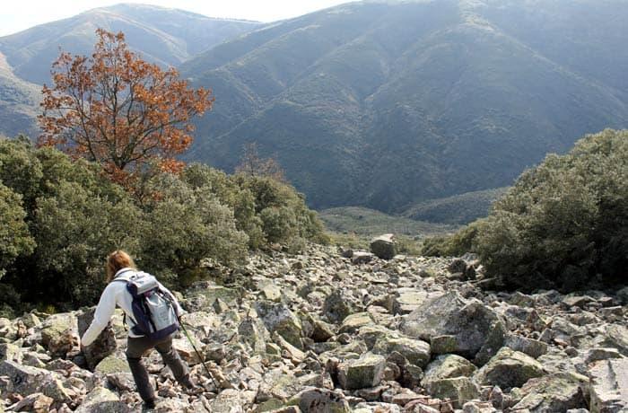 Bajada por la pedrera Cueva de la Mora