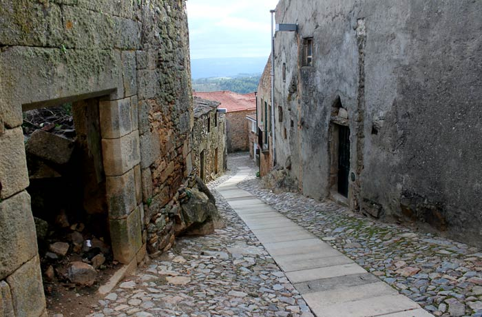Calle empedrada en Castelo Rodrigo