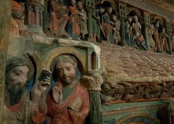 Cenotafio de la basílica de San Vicente Ávila en un día
