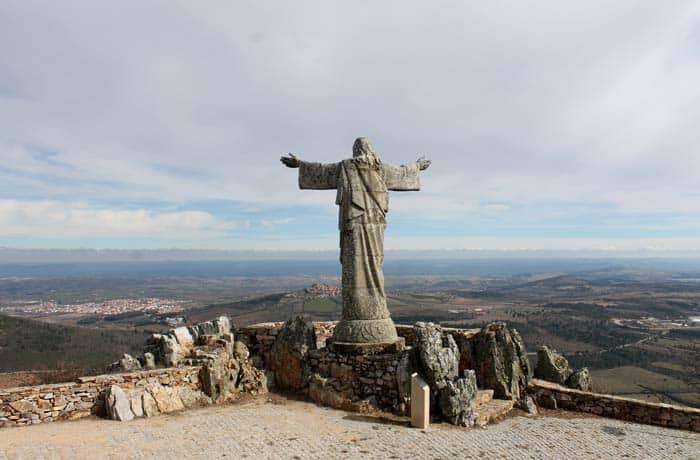 Cristo Rey del alto de Marofa
