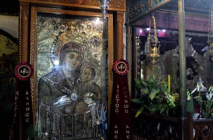 Cuadro de la Virgen y el niño en la basílica de la Natividad Belén desde Jerusalén