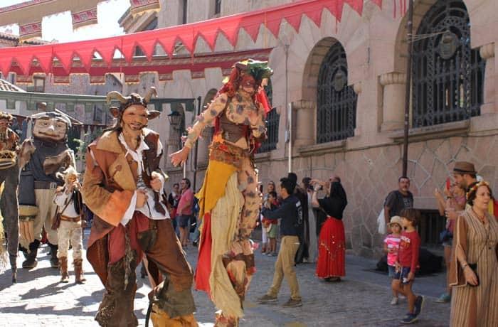 Desfile durante las Jornadas Medievales Ávila en un día