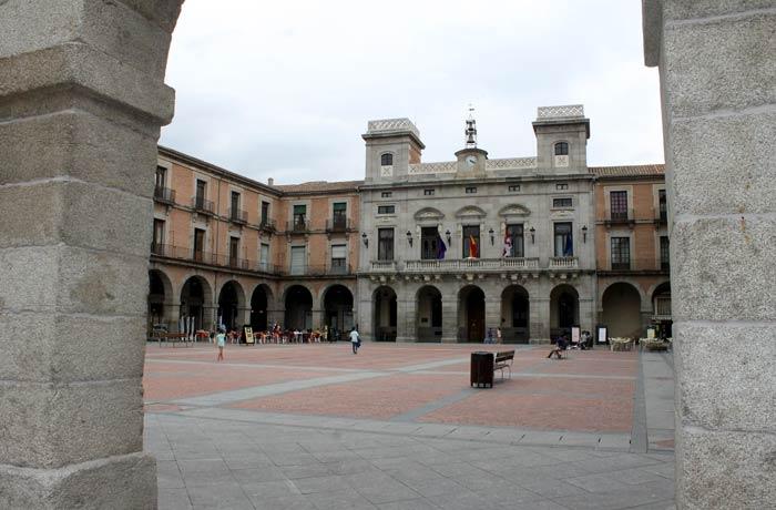 Plaza del Mercado Chico Ávila en un día