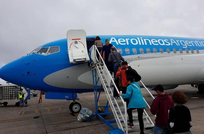 Subiendo a un vuelo interno de Aerolíneas Argentinas Argentina por libre