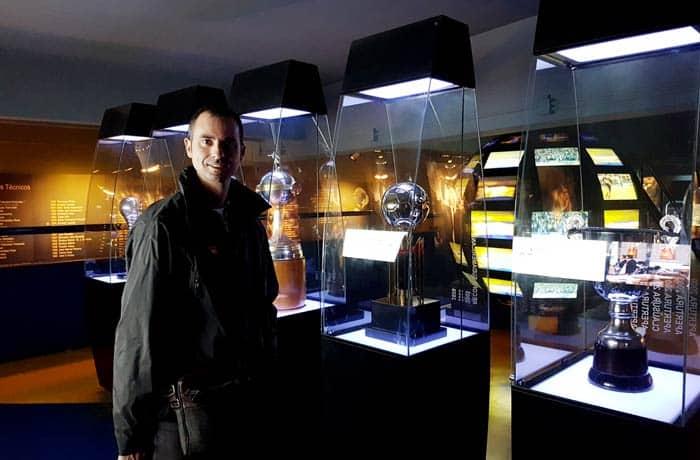Sala de trofeos en el Museo de la Pasión Boquense visitar La Boca