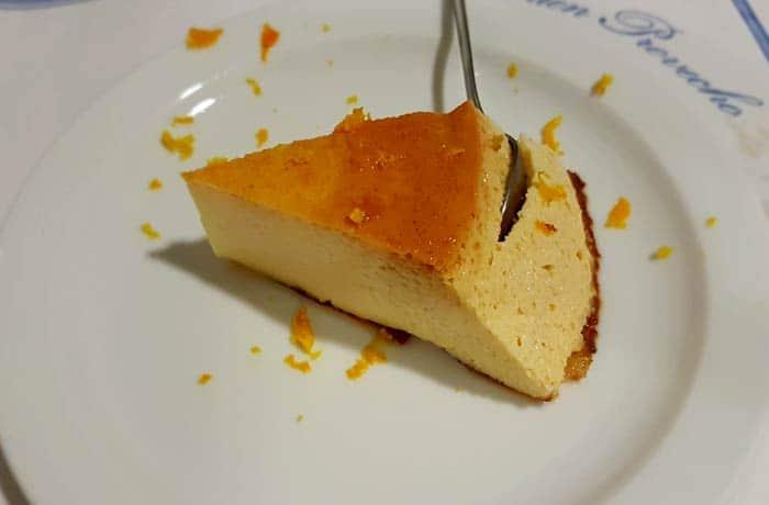 Flan con ralladura de naranja comer en Rosas