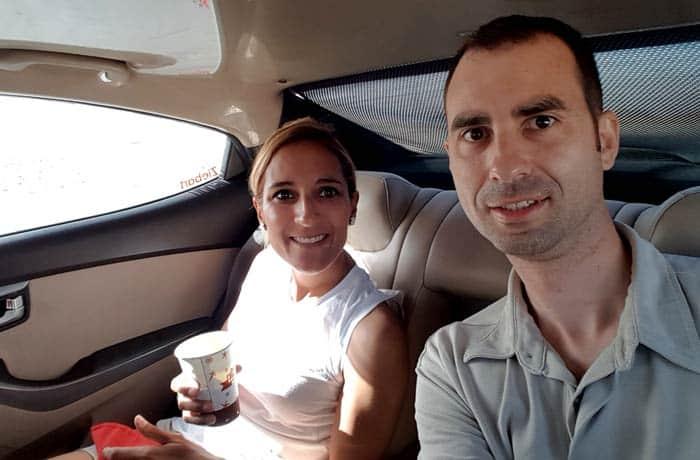 En el interior del taxi que nos llevó a Petra
