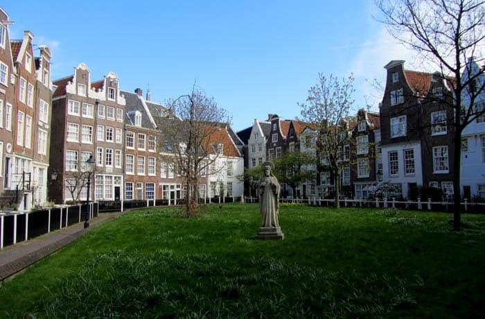Patio de Begijnhof Ámsterdam en tres días