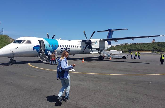 Avión en el que volamos de Terceira a Sao Miguel viajar a las Azores por libre