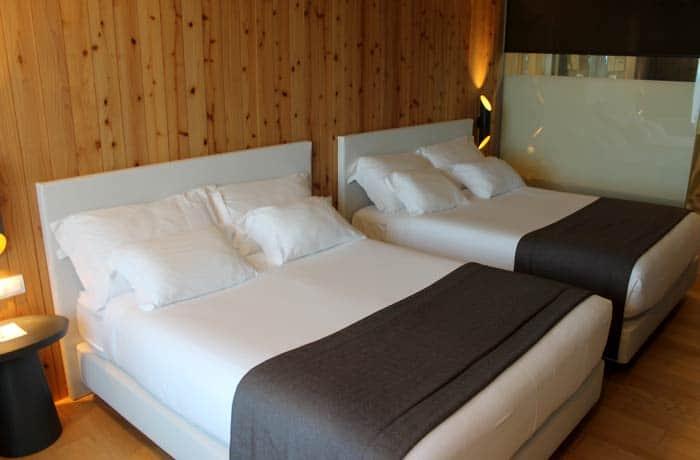Dormitorio del Pedras do Mar Resort & Spa en Sao Miguel viajar a las Azores por libre
