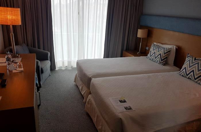 Dormitorio del hotel do Caracol en Terceira viajar a las Azores por libre