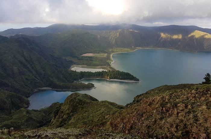 Vista del Lagoa do Fogo en Sao Miguel viajar a las Azores por libre