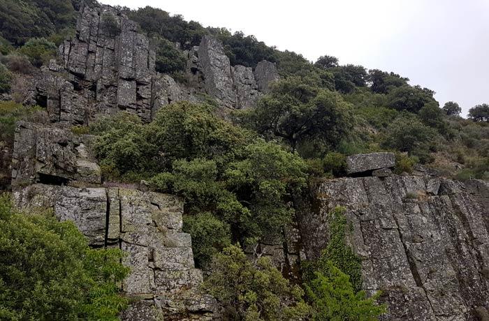 Paisaje granítico de la Colina Baja chorrera de Jigareo