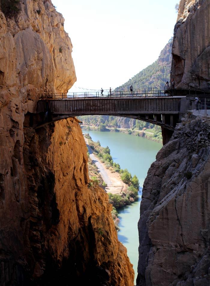 Puente Colgante y río Guadalhorce Caminito del Rey